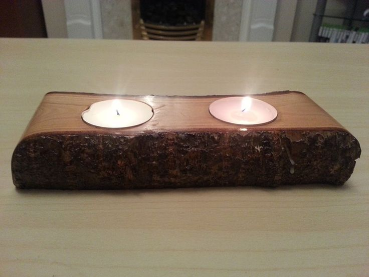 Ciekawy świecznik z drewna jabłoni.