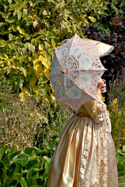 Our must-have fashion accessory from the #Victorian era? A gorgeous parasol, hands down! Victorian Girl - Havenstreet Victorian Weekend by John C Williams, via Flickr