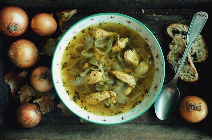 Wykwintna i pożywna zupa, do której przygotowania nie potrzeba wcale długiej listy składników ani też długich godzin przygotowania. Z dodatkiem białego