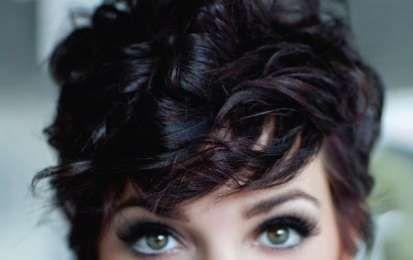 Tagli capelli corti Estate 2015 - Capelli corti e ricci con ciuffo e volume