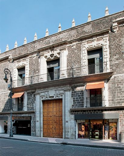 Mexico City is 572 square miles of Aztec temples, modern-art museums, and mescal bars. But how do you navigate a city that has everything? Y...