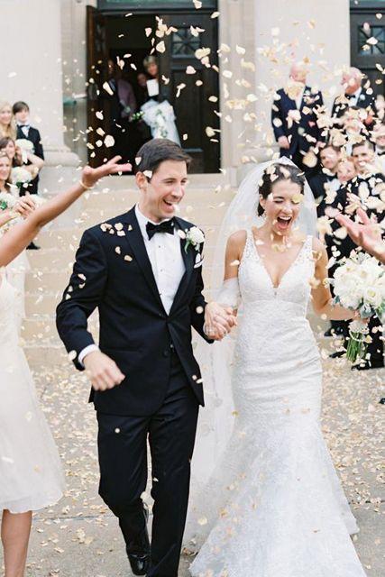 fun wedding exit ideas rose petals #saphireeventgroup #weddingexits #rosepetals