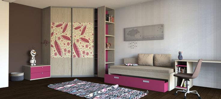 Dievčenská detská izba na mieru. Rohová skriňa s fototapetou v prevedení svetlý drevený dekor a cyklaménovo-ružová farba