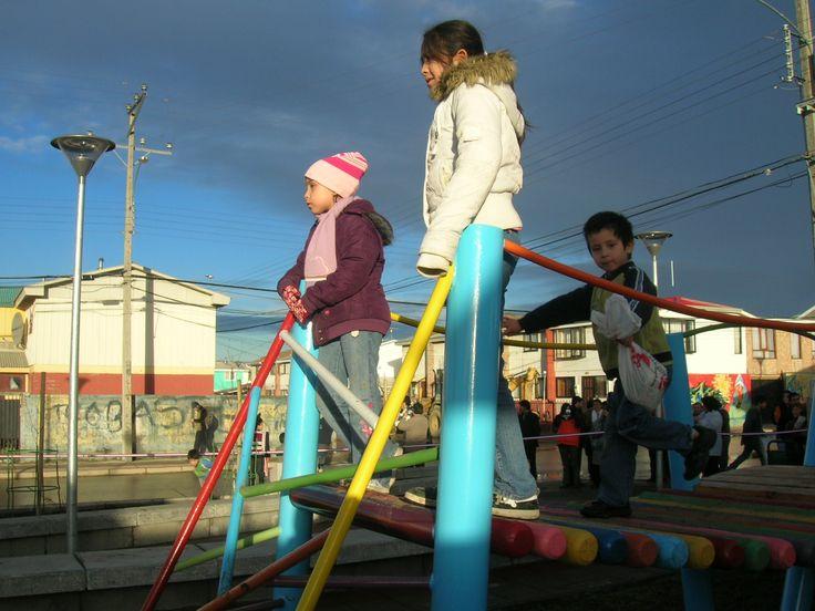 Plaza barrio Simón Bolívar. Punta Arenas 2010. Seremi Minvu región de Magallanes