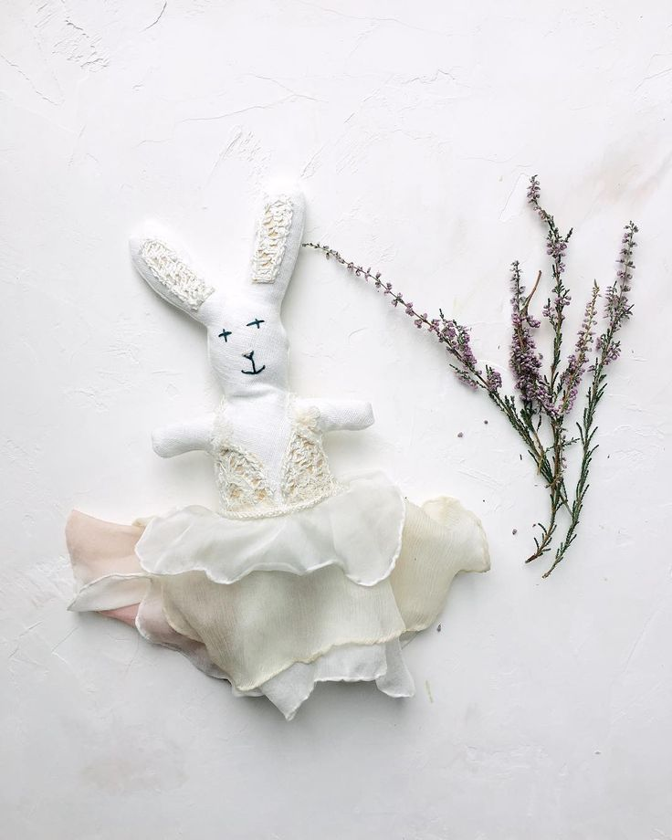 This is possibly the cutest thing I have ever been sent in the post! The cutest bunny made by the talented @jessturnerdesigns - and what's more it's wearing a mini version of one of her dresses! . Jess is now giving these bunnies out as gifts each one will wear a copy of the dress she designs for her clients. What a beautiful keepsake. . . Find out more in our boutique directory and contact Jess today (link in bio).