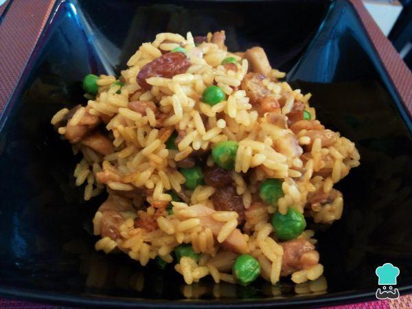 Receta de Arroz con pollo al curry y pasas