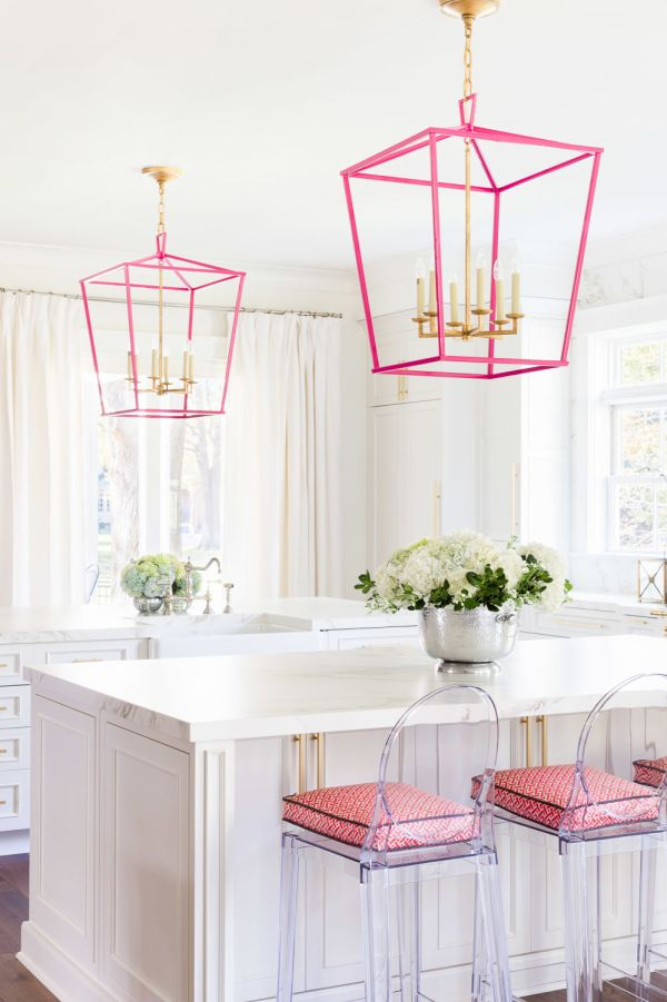 Pink may be the unofficial mascot of Valentine's Day but Alyssa Rosenheck is here to show you that it is a gorgeous addition any day of the year. From a touch of the palest blush to vibrant and bold hot pink, check out crazy beautiful interiors that aren't afraid to let their pink hues fly. And if […] :: Home Decor