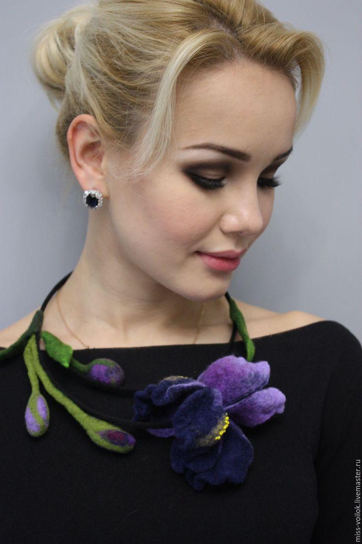 """Купить Колье """"Ирис""""(валяние) - фиолетовый, ирисы, ирис, цветы, Валяние, валяние из шерсти, ручная работа"""
