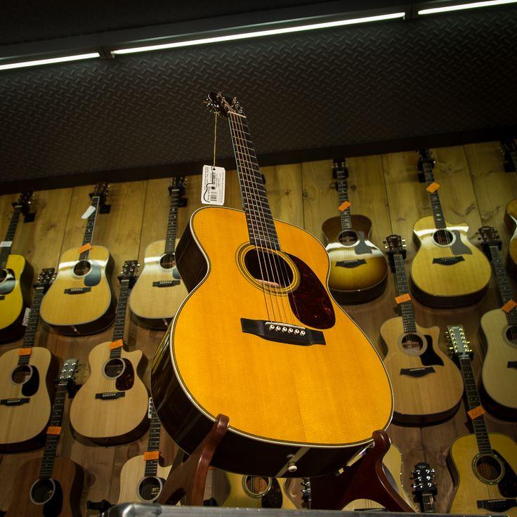 MARTIN GUITARS ERIC CLAPTON #guitar #guitarra #guitarist #guitars #guitarporn #guitarrasexplusivas #txirula #txirulamusik #ericclapton #martinguitar #martin
