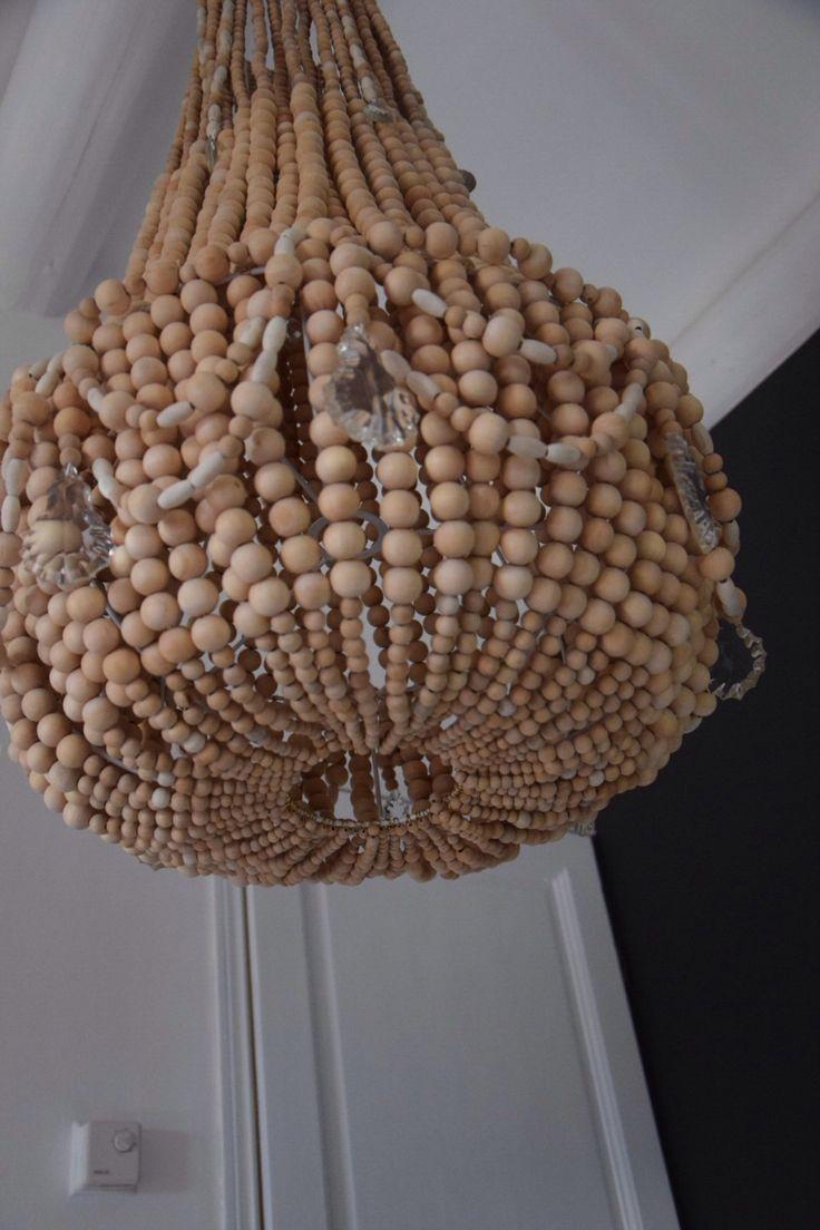12 best lustre en perles de bois et pampilles images on. Black Bedroom Furniture Sets. Home Design Ideas