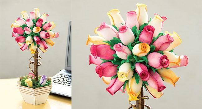 Arranjo de flores de E.V.A, veja abaixo como fazer