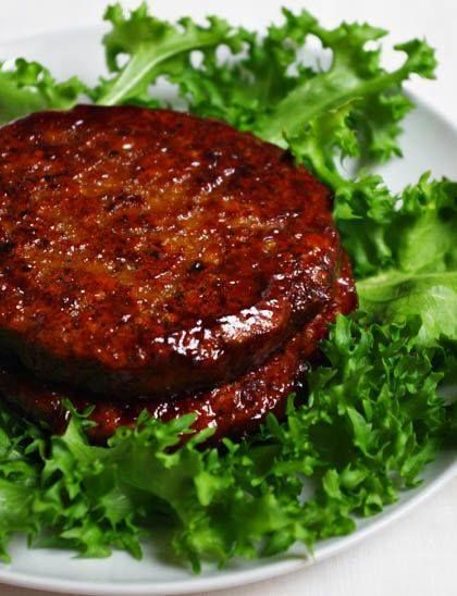 Ingredientes: 250 gr de lentejas remojadas durante 12 horas y escurridas 1 cebolla mediana 1/2 o 1/4 de pimentón rojo (Dependiendo del tamaño) 1 diente de ajo 1 zanahoria mediana 1 remolacha mediana...