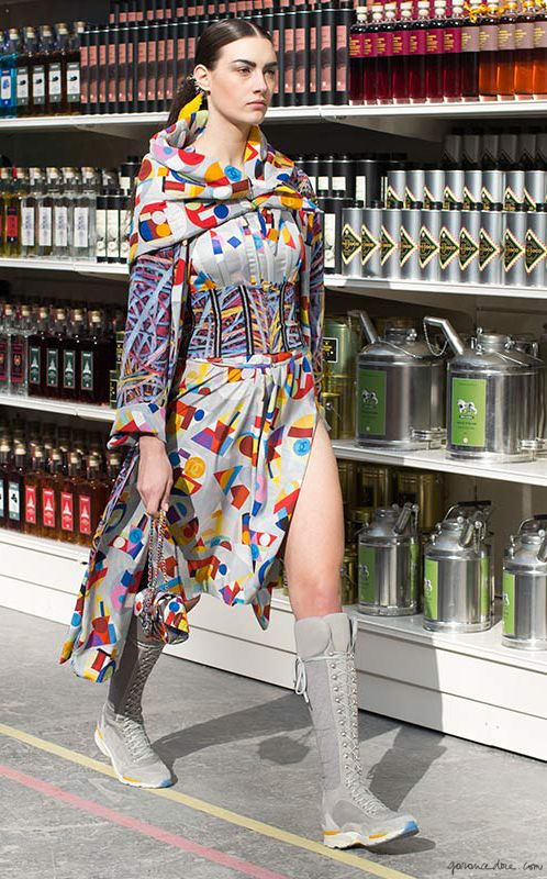 Chanel F/W 2014, graphic dress, knee-high sneakers, Chanel bag, Grand Palais, Shopping Center, grocery, olive oil / Garance Doré