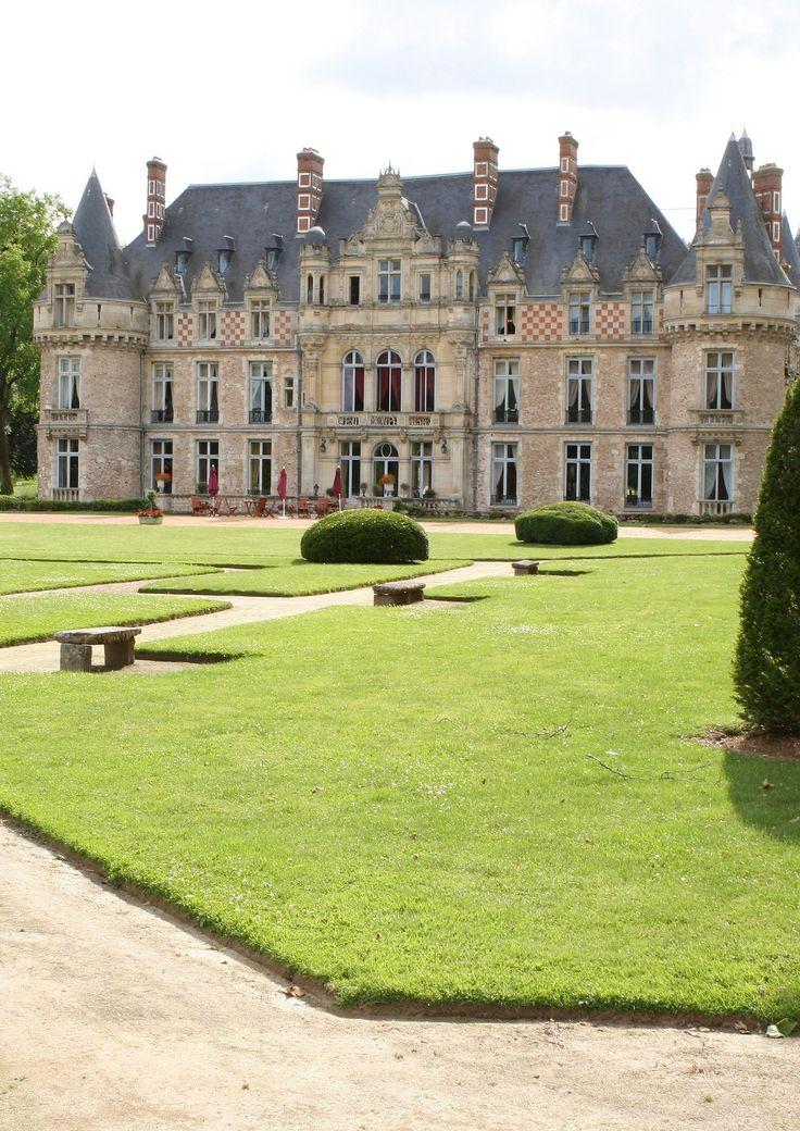 Château d'Esclimont, Bleury-Saint-Symphorien, France