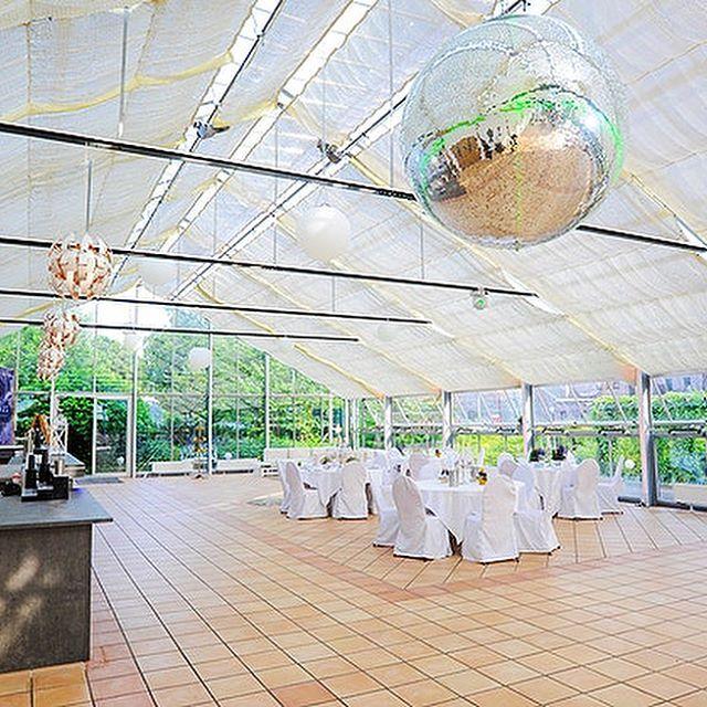 Das Cremon Glashaus In Bargteheide Ist Eine Eventlocation Mit Wow Effekt Das Wundervolle Glashaus Befindet Sich In Idyllisch La Glashaus Eventlocation Haus
