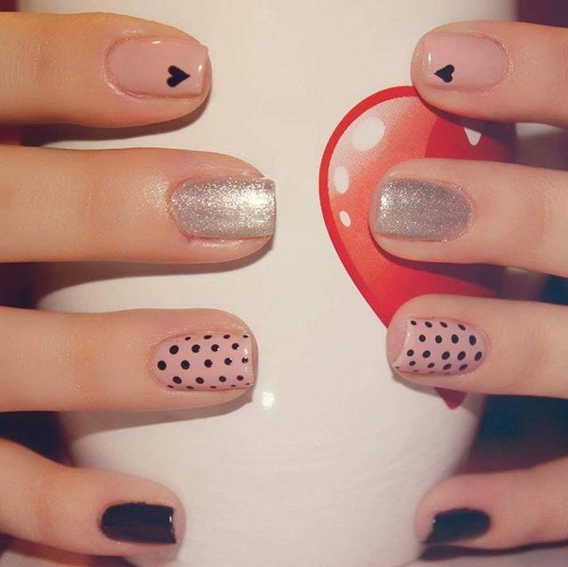 My TINY heart - cu Brandusa, Nail Artist Xpression #unghii #manichiura #heart #nails #nailart  #nail #semipermanent #nailpolish #valentines #love #studioxpression