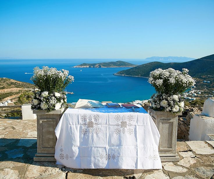 Who does not want to get married with this view? The palette of this photograph perfeclty reflects all shades of blue.. Choose your favorite one !