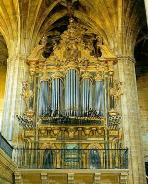 Organo de la Iglesia de Santa María de Briones.