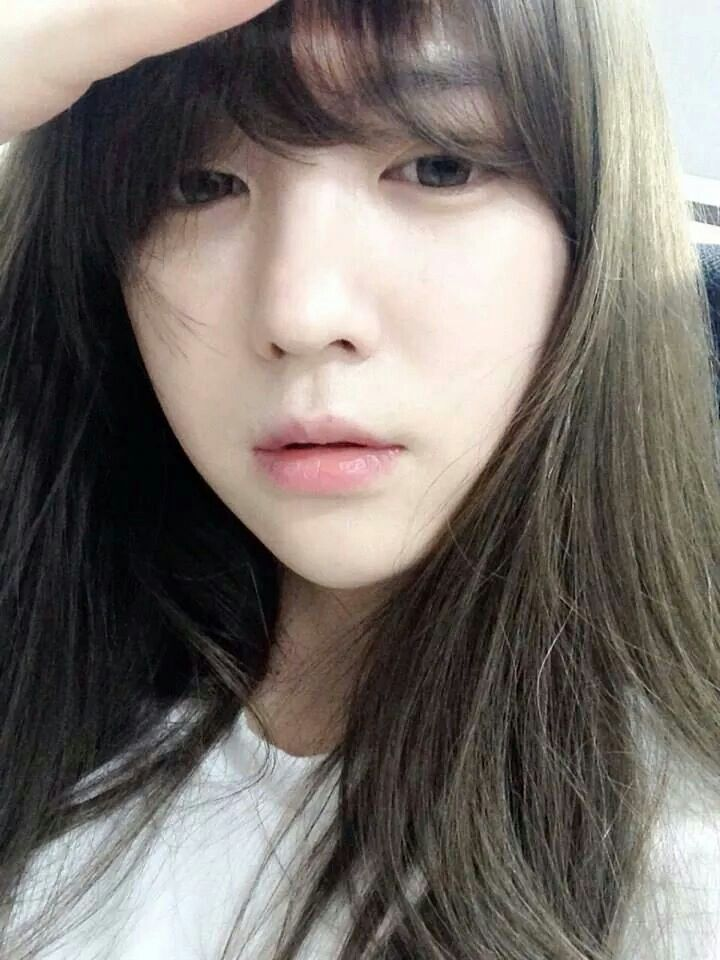 Ulzzang selca ulzzang selfie fairskin natural - Korean girl picture ...