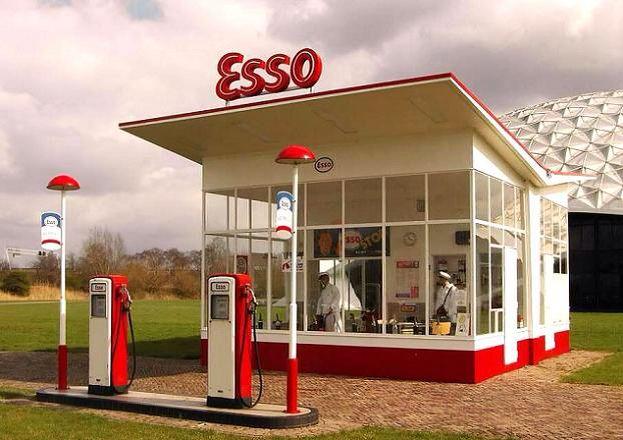Tankstation Esso, Dudok. #gooisemeren