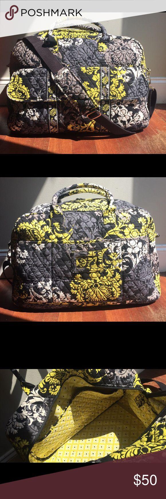 Euc vera bradley travel bag carry on bag w 5 inner pockets front