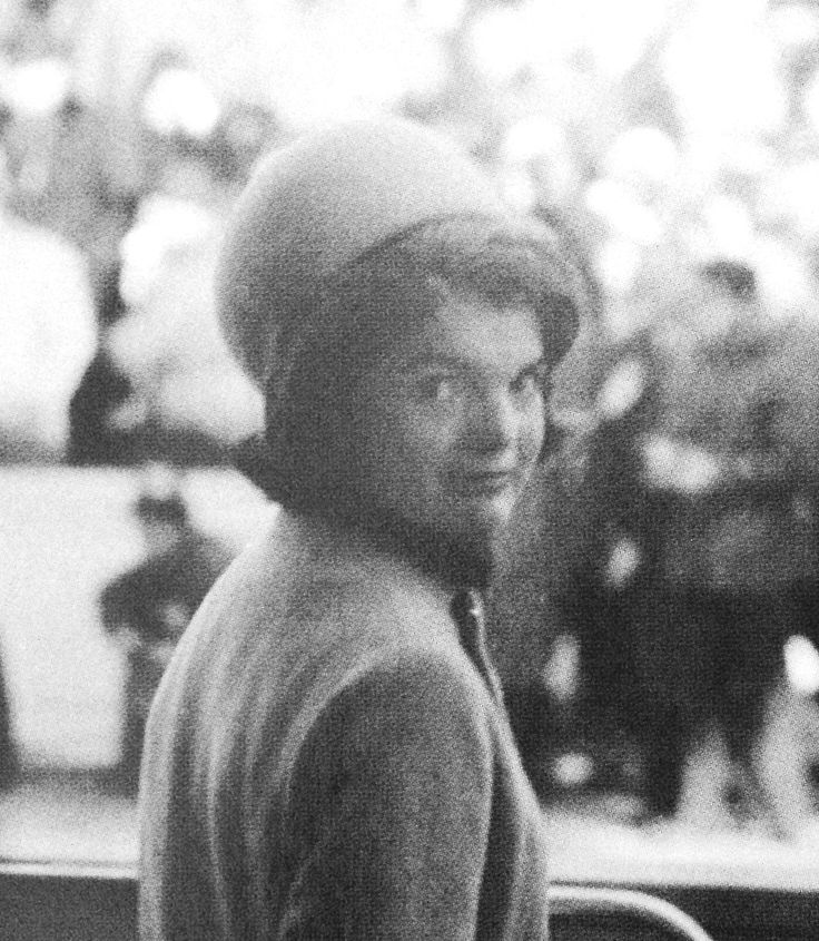 Jackie Kennedy at President Kennedy's inauguration, January 20, 1961 ❀♡❁❤❁❤❁❤❁❤♡❀ http://en.wikipedia.org/wiki/Inaugural_address_of_John_F._Kennedy