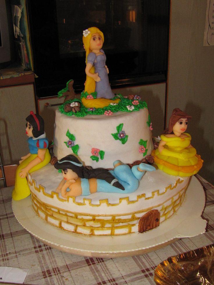 Rapunzel and princesses cake