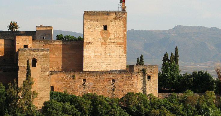 Torre de la Vela en la Alcazaba de la Alhambra