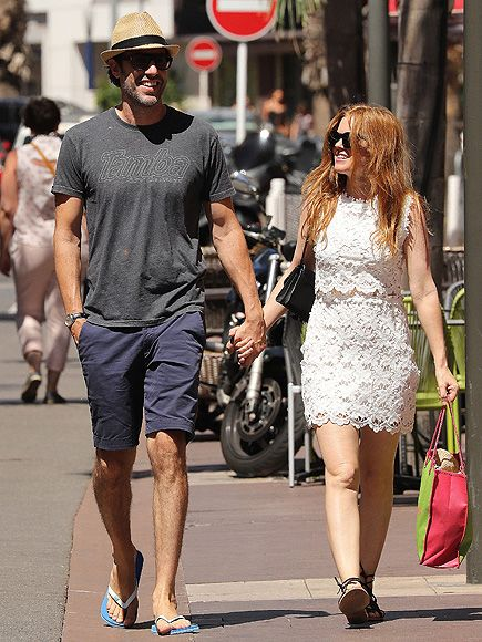 Star Tracks: Saturday, August 6, 2016 | SUMMERTIME STROLL | Sacha Baron Cohen and wife Isla Fisher hold hands during a romantic, sunlit stroll while on vacation in St. Tropez, France on Friday.