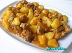 Costillas y patatas en salsa