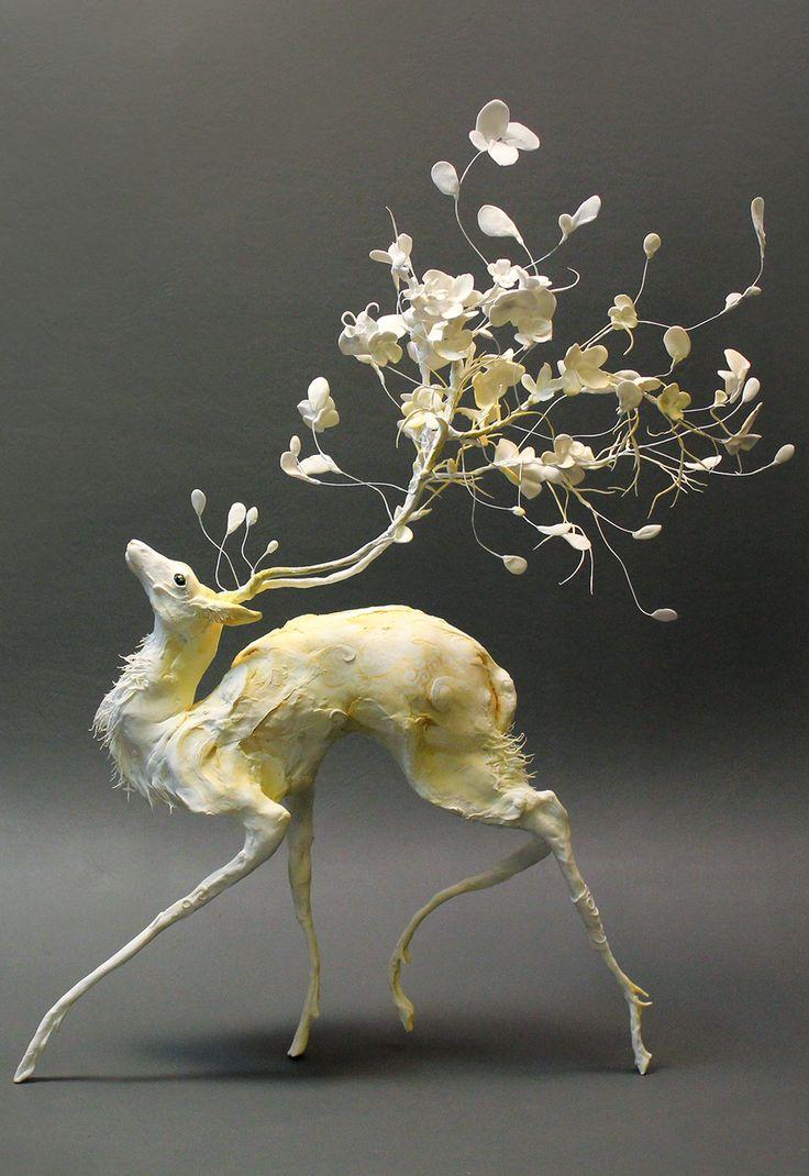 Surreal animal sculpture / Ellen Jewett