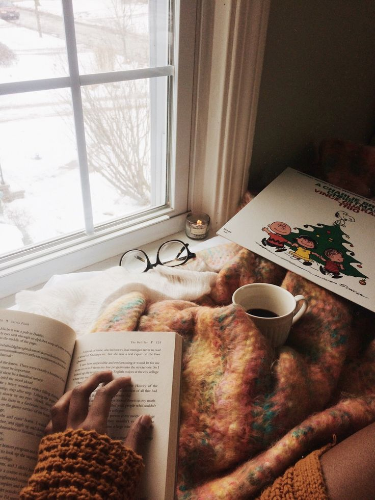 "clearlycoffee: "" joli–coeur: ""skimming through old books and listening to Christmas records on this cozy throw from @urbanoutfitters - happy first day of winter! ☕️ Instagram: kokokourtney "" Four days off work. All this has consisted of is waiting..."