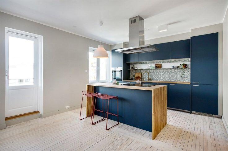 FINN – ØVRE TORSHOV: Påkostet (2017) 3-roms leilighet med solrik balkong og vedkamin. Moderne og lekre detaljer. Ingen forkjøp - lave kjøpsomk. P-plass etter ansiennitet.