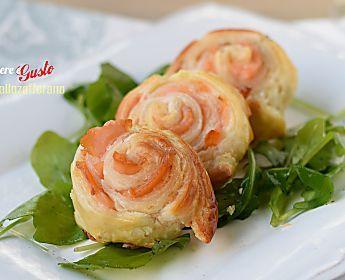 Rotolini di salmone in Pasta sfoglia - Antipasti e Stuzzichini