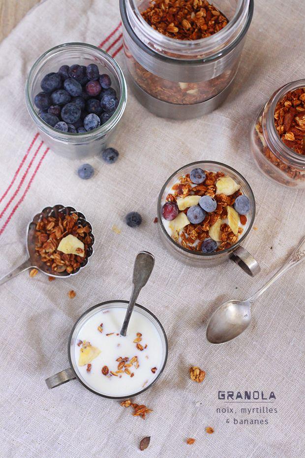 Granola aux fruits secs et aux myrtilles