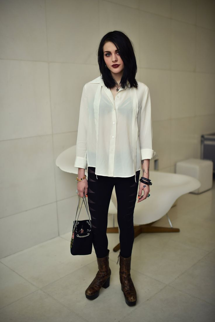 Frances Bean is so fuckin' beautiful, she really has charisma!!   Frances Bean Cobain Shows How Rocker Chic Is Done Now