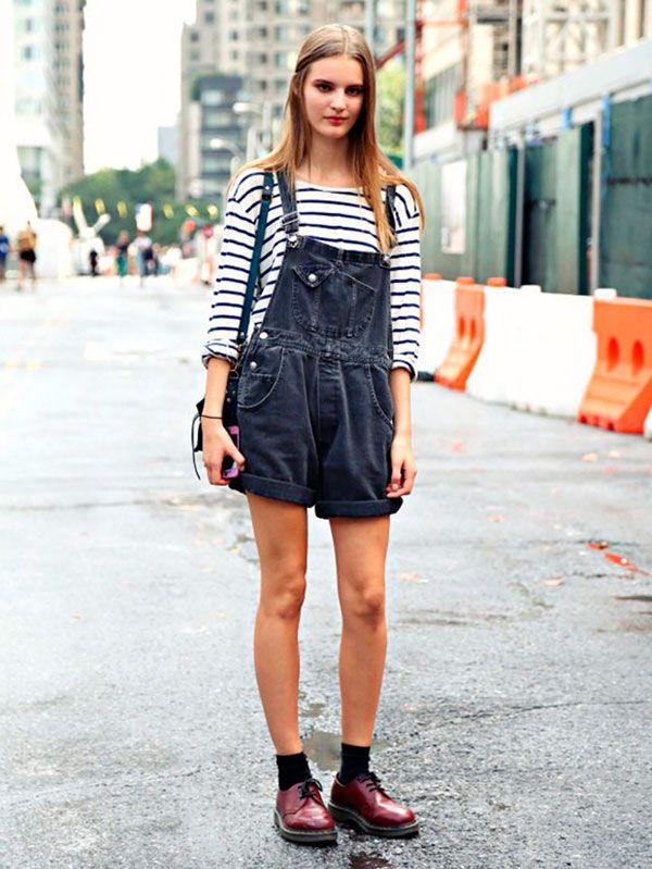 meia aparente look street style blusa listrada macacao jeans