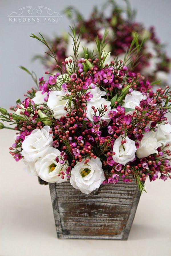 fioletowe dekoracje stołu