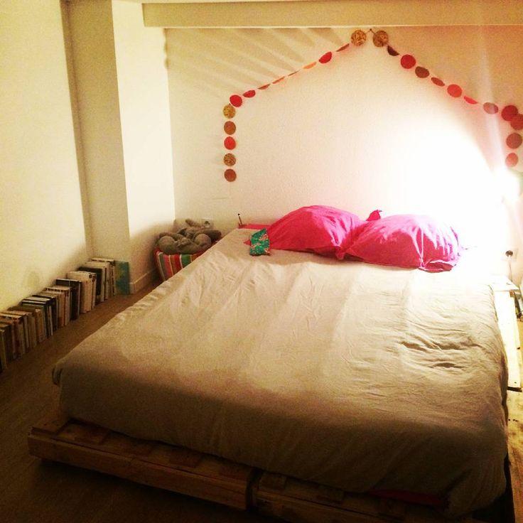 sommier avec des palettes beautiful tuto dune taate de lit lumineuse latelier fabriquer sommier. Black Bedroom Furniture Sets. Home Design Ideas