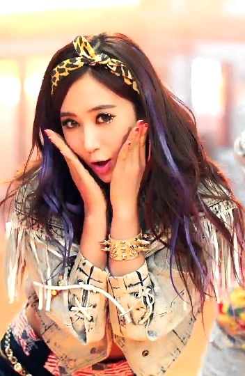 Kwon Yuri (Girls' Generation)