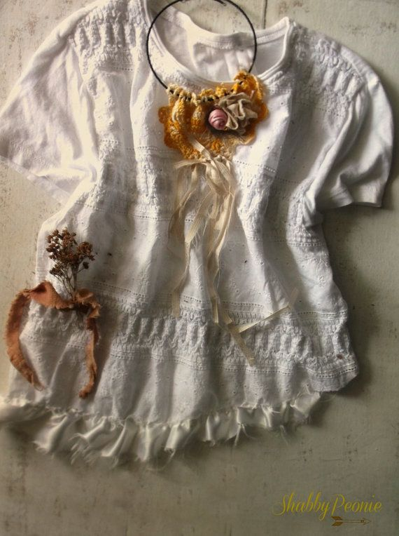 White Cropped Crochet Top. Summer Festival Shabby by ShabbyPeonie
