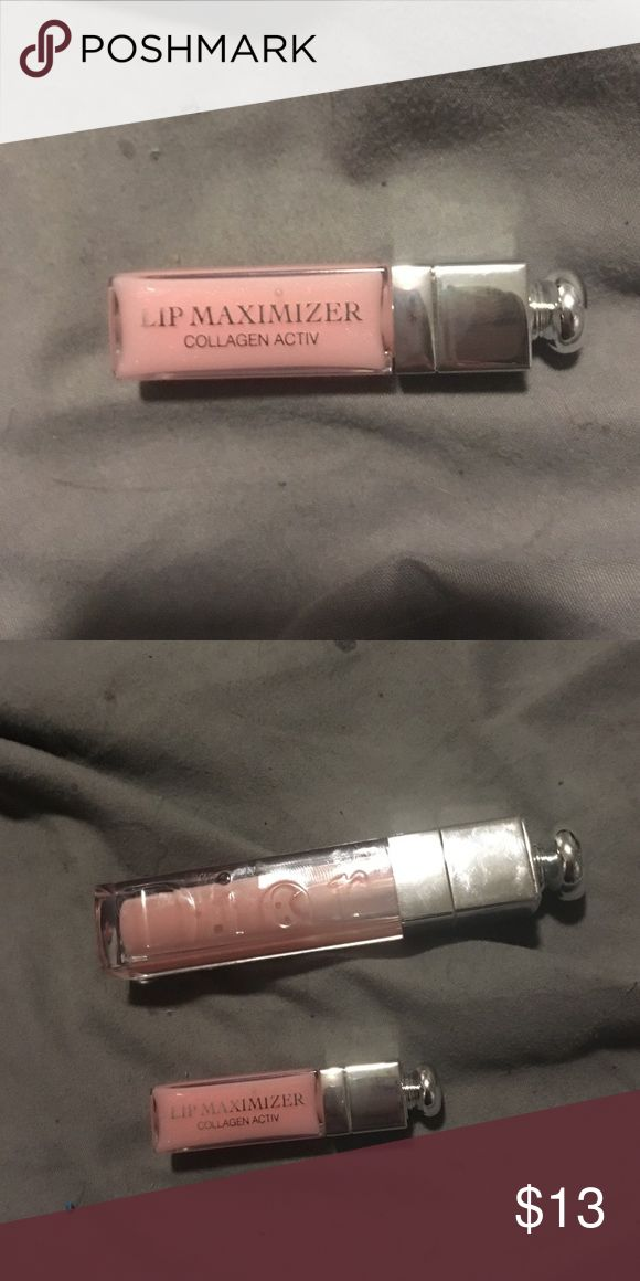 Dior lip maximizer gloss lip plumper sample size never used. 2nd pic show the sample in comparison to full size Dior Makeup Lip Balm & Gloss