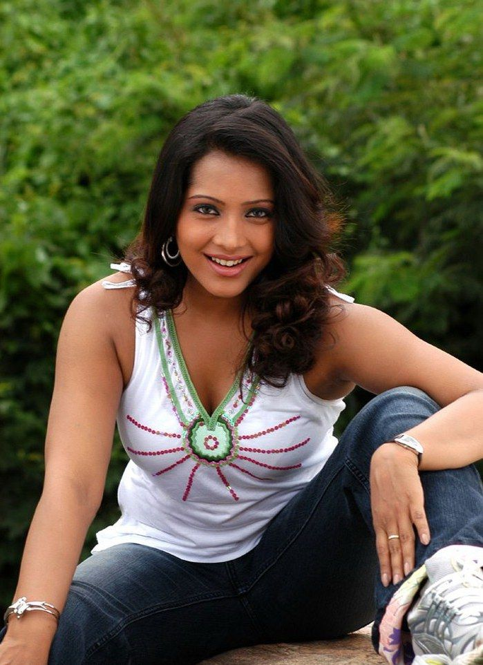 Meghna Naidu Hot Pics Women Fashion Tank Tops
