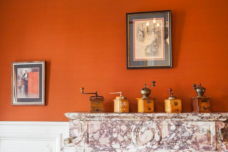 coffee grinders - decoration bar - Hotel Edward 1er