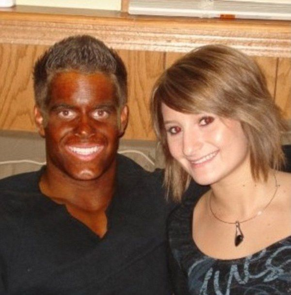 11 Hilarious Spray Tan Fails - ODDEE