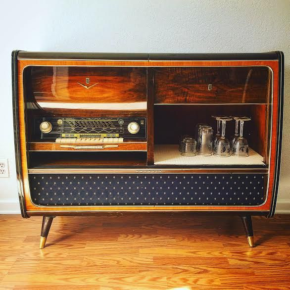 Mid century record player credenza console stereo | Антикварное радио, Музыкальные комнаты, Ретро
