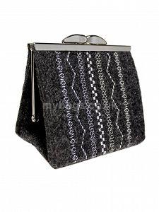 GOSHICO embroidered purse/mini bag GODDESS http://www.mybags.co.uk/goshico-embroidered-purse-mini-bag-sote.html