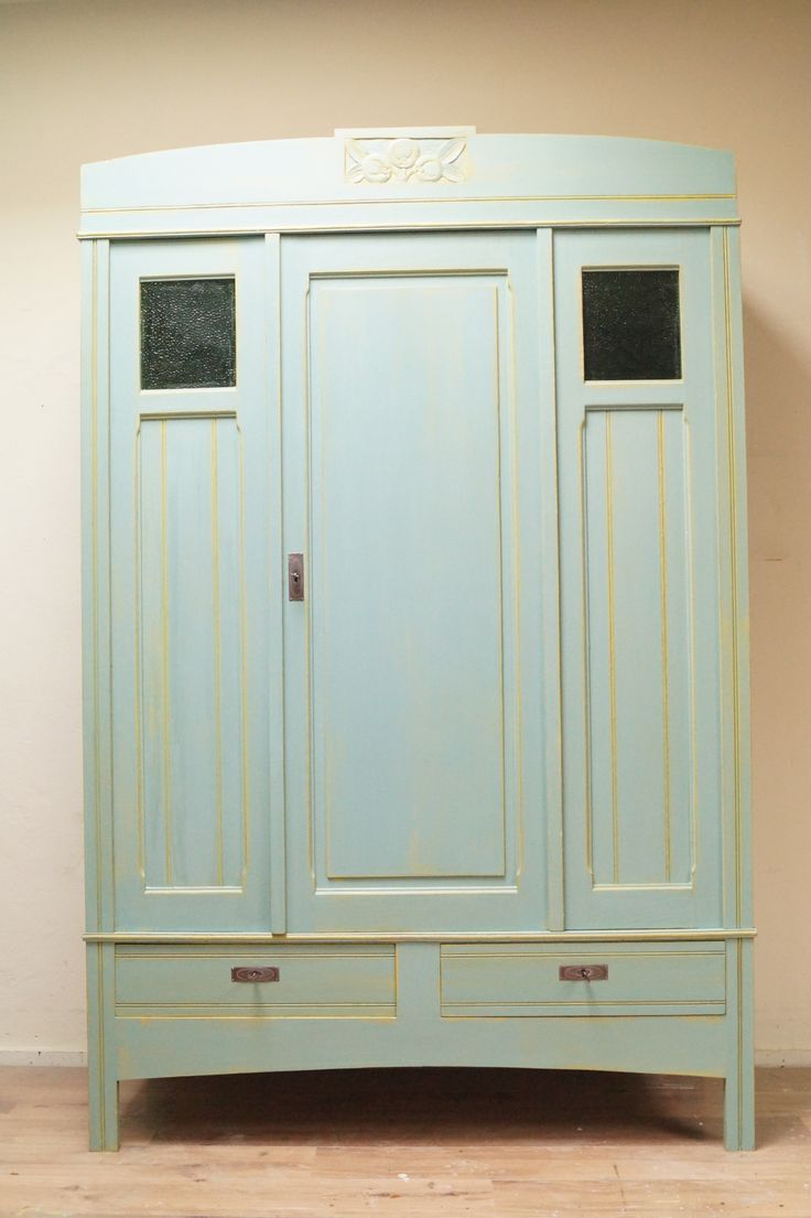17 best images about Opgeknapte oude kledingkasten on Pinterest   Brocante, Doors and Met