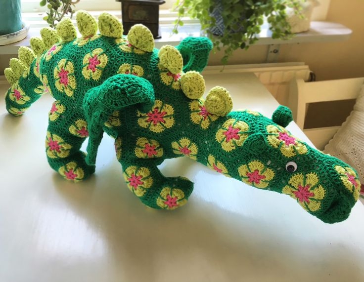 En drake som jag har virkat  #virkat #crochet #heidibears