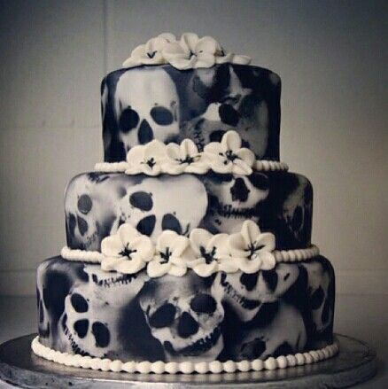 candy skull wedding cake 1000 ideas about skull cakes on sugar skull 12352